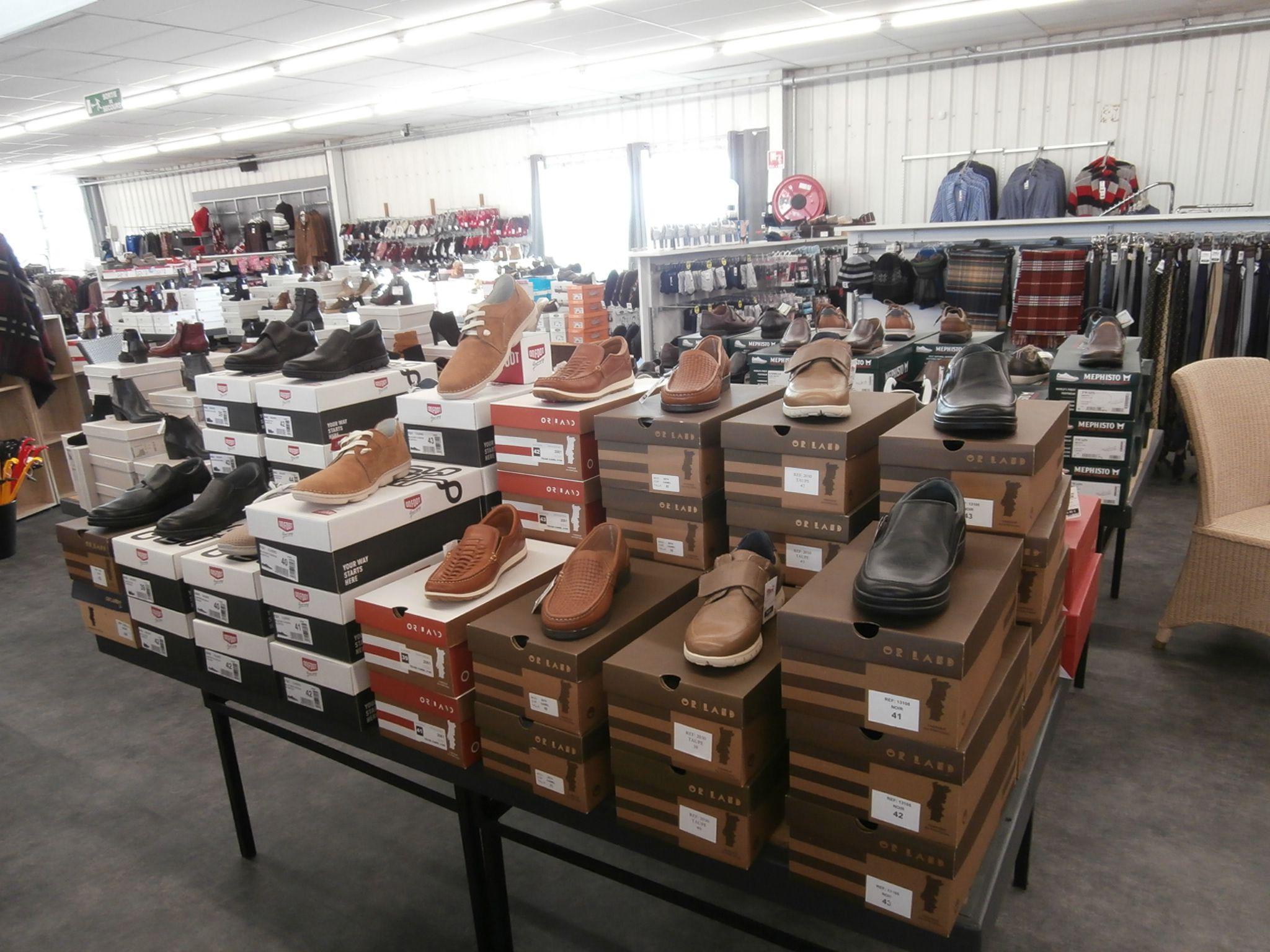 Chaussures Femmes et Hommes à Le Gua