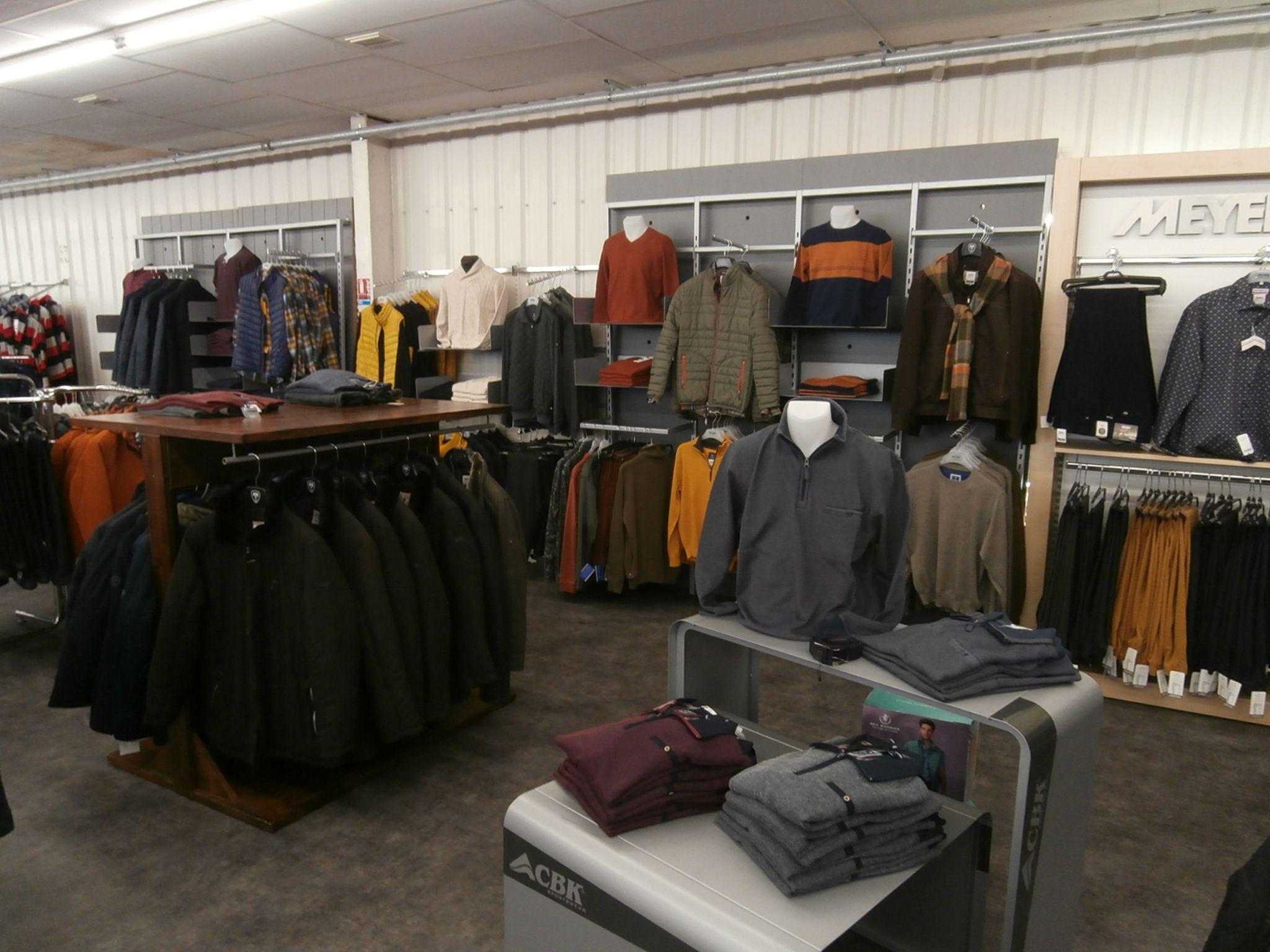 Magasin de vêtements hommes à Le Gua